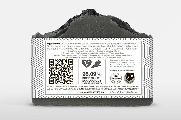 Pastilla de jabón cosmético elaborado con ingredientes ecológicos certificados