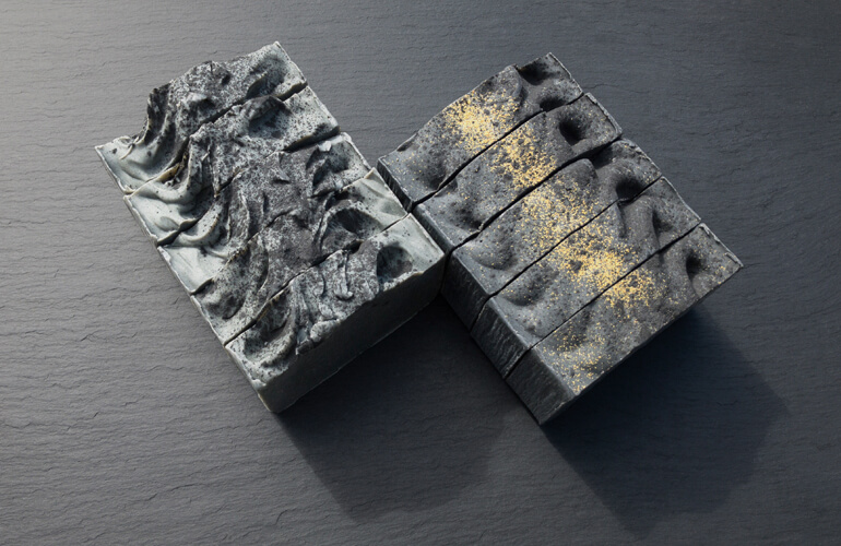 Jabones ecológicos elaborados con ceniza
