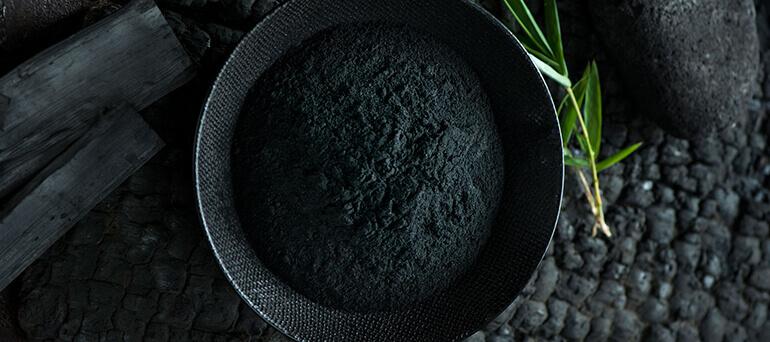 La ceniza de carbón vegetal, es un producto 100% natural procedente de la carbonización directa de plantas